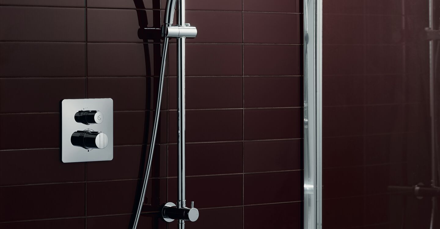 Dual shower system, rainshower and M1 handspray