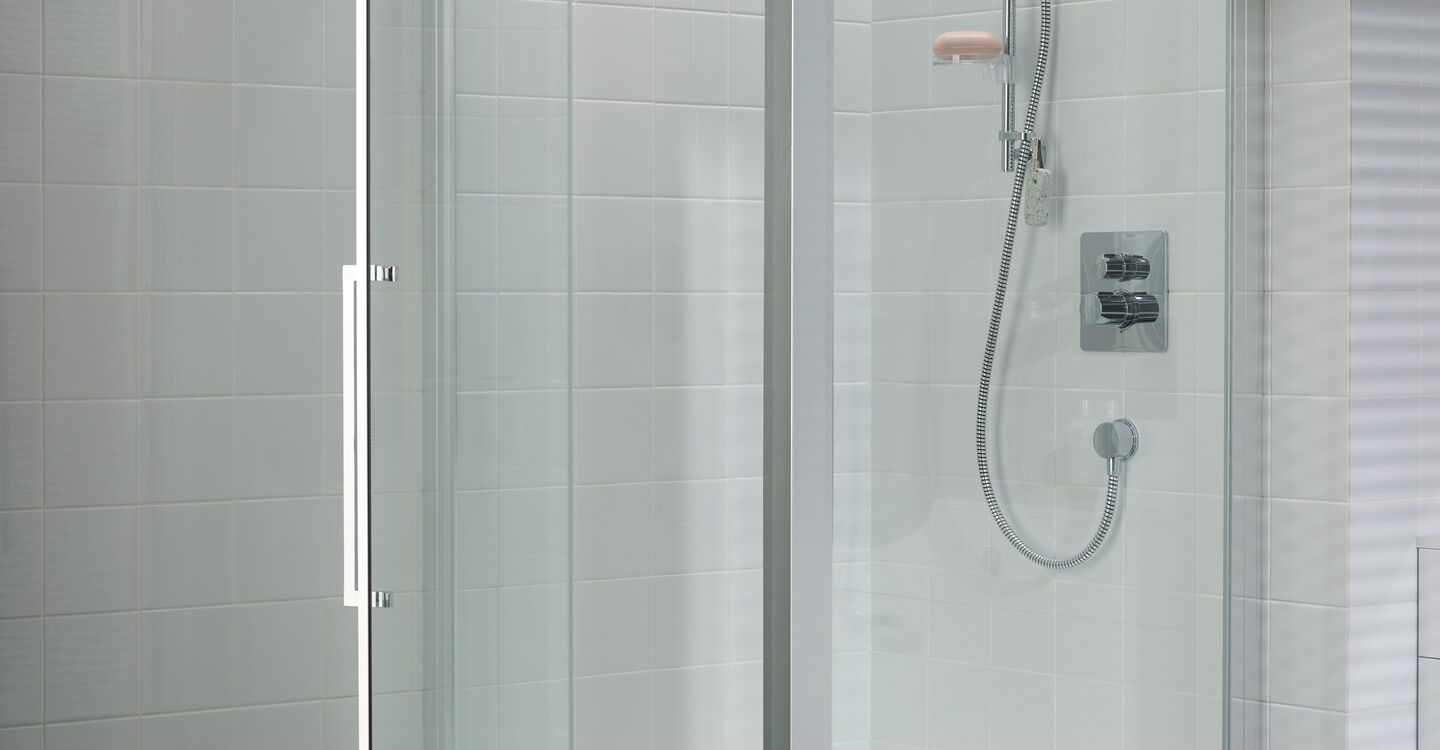 Exposed thermostatic shower mixer