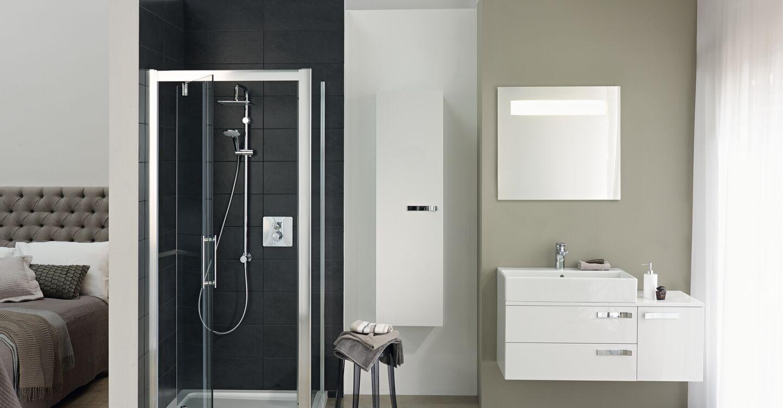 L6203 Synergy 900mm Pivot Shower Door Idealclean Clear