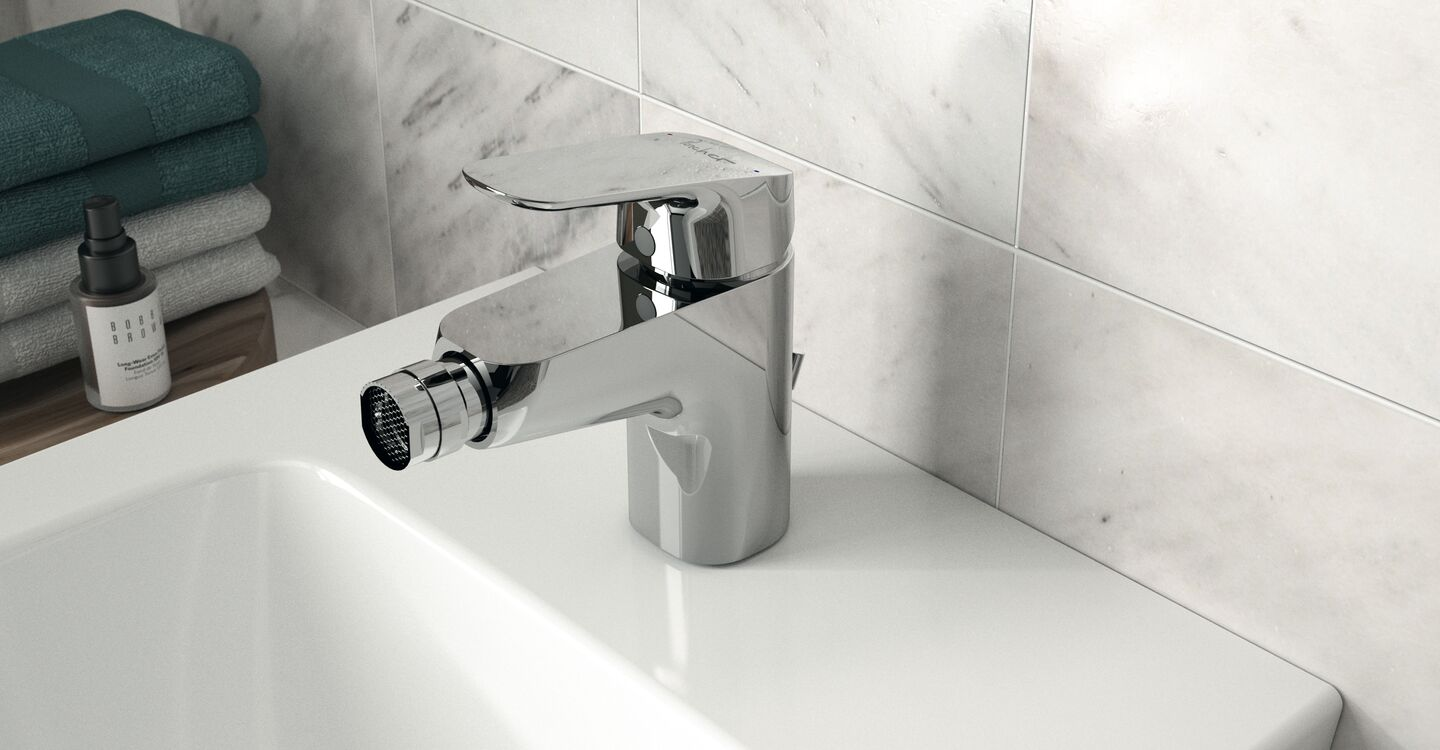Back to wall bidet 1 taphole and tap