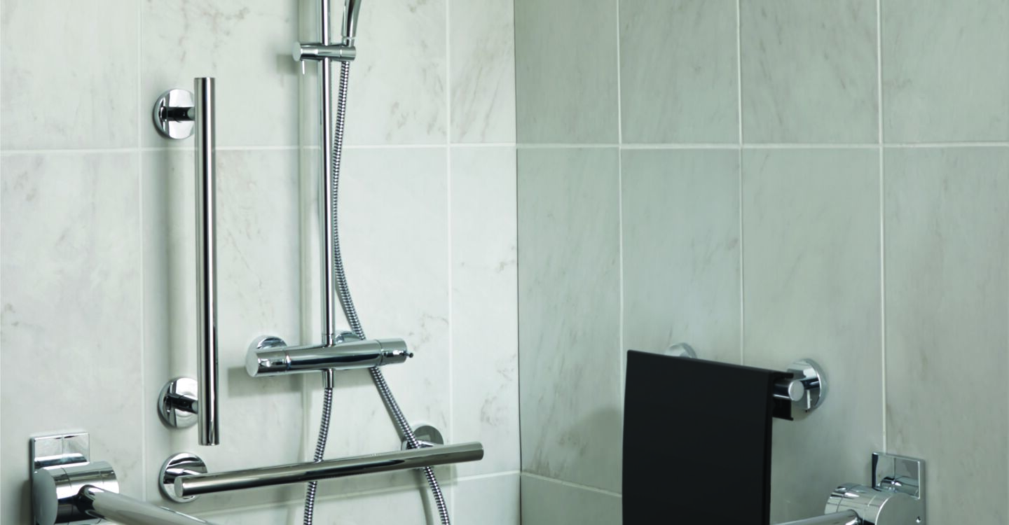 Dual shower with M1 rain shower, fixed riser